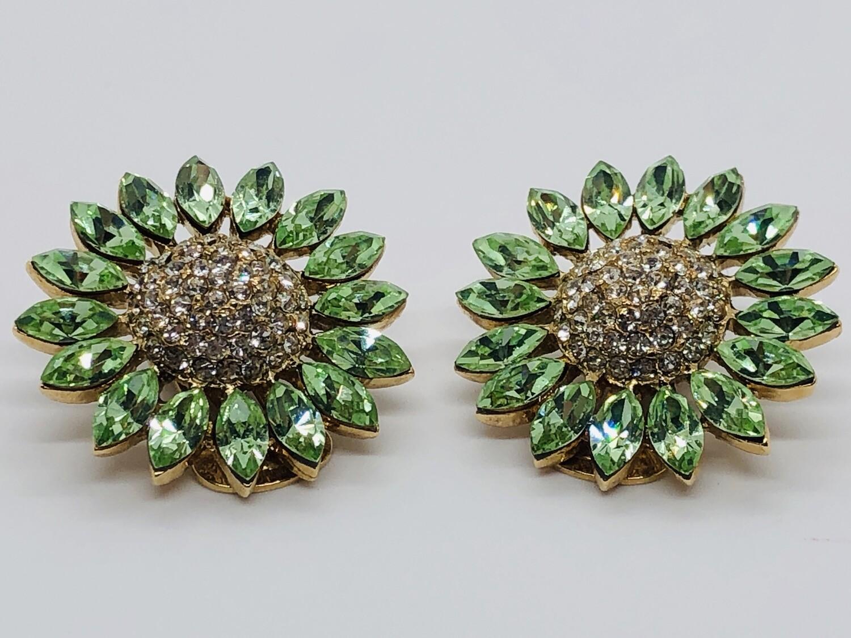 Beautiful Green Floral Daisy Rhinestone Clip-On Earrings