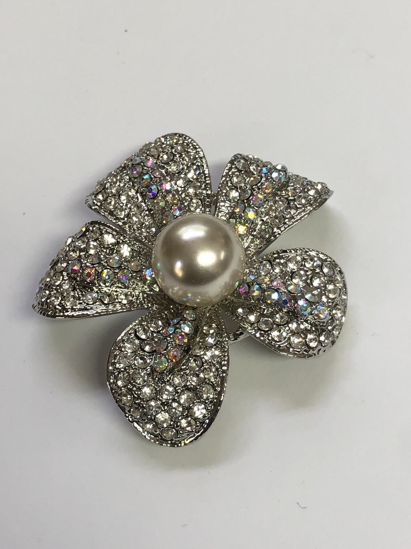 New PREMIERE DESIGNS Rhinestone & Pearl Floral Brooch Pin