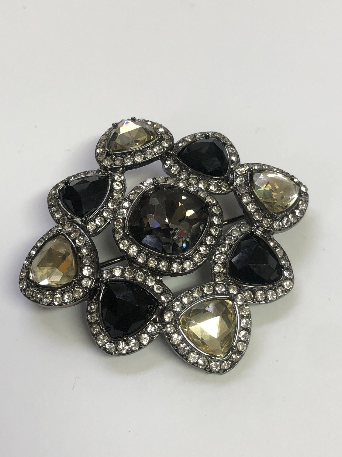 New PREMIERE DESIGNS Smokey Rhinestone Brooch Pin