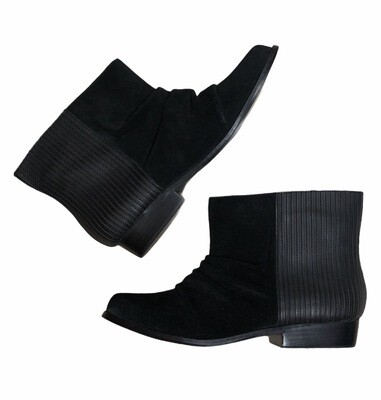 New JOE'S Black Suede & Ribbed Leather Ankle Boots size 8
