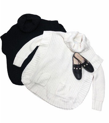 NEW DIRECTIONS Cream Ribbed Oversized Turtleneck Sweater size Medium