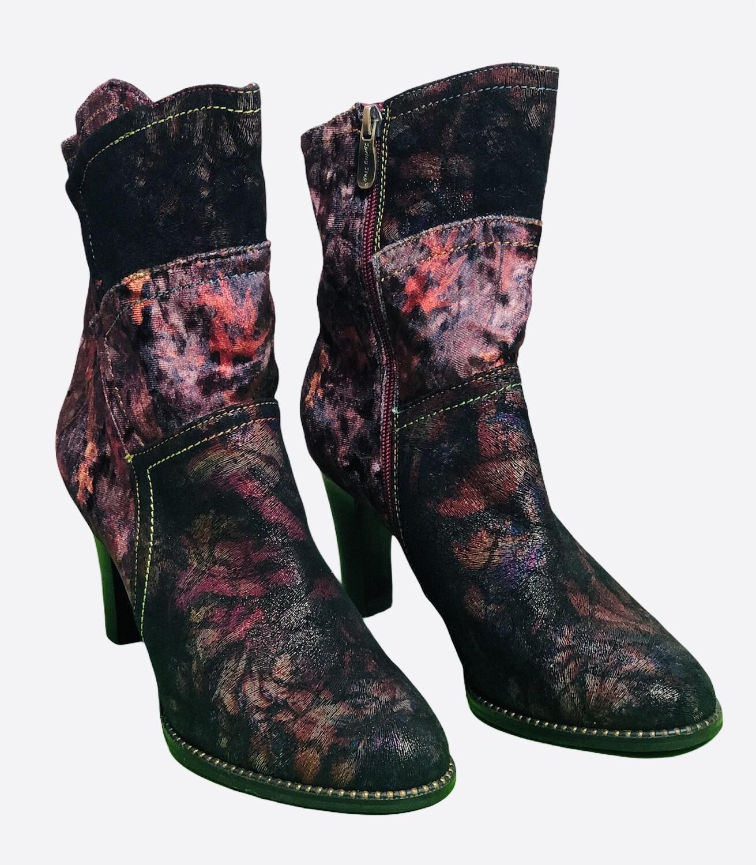 New L'ARTISTE Multi-Color Suede & Velvet Floral Patchwork Boots size 39, US 8.5