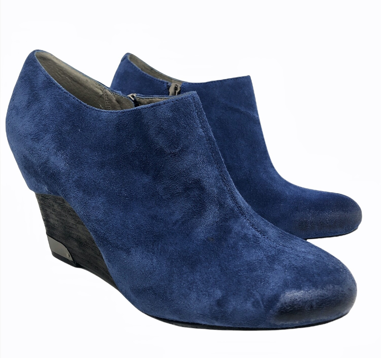 VINCE CAMUTO Hamil Wedge Bootie in Oxford Blue sz. 10