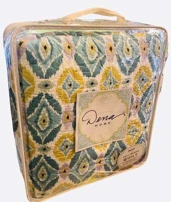 DENA HOME Full/Queen Quilt in Breeze Pattern