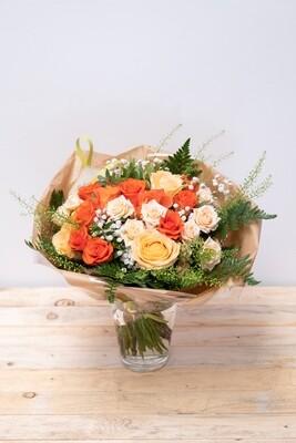 Brassée de roses (orangées)