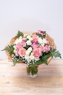 Brassée de roses (roses)