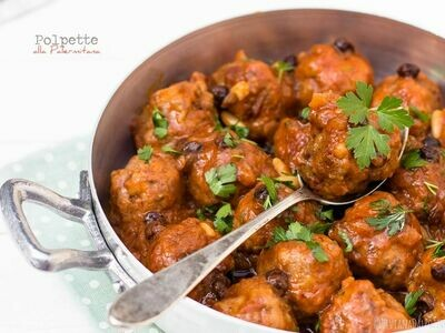 Beef Meatballs in Rich Tomato Sauce 300g c.