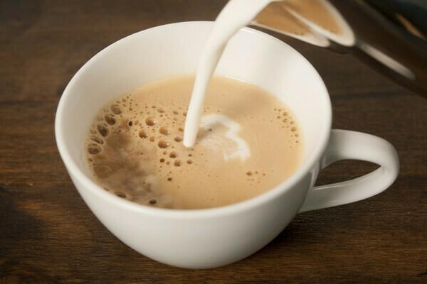 Cafe Au Lait (Coffee W/ Steamed Milk) 12 oz - Curbside