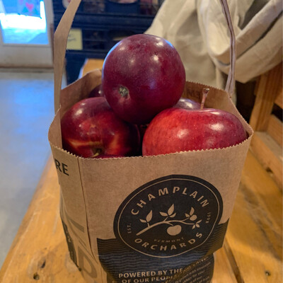 Apples - 5lb Tote (Champlain Orchards)