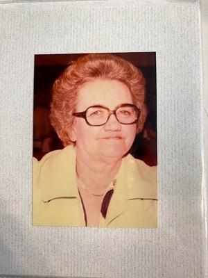 MW Old Lady Card