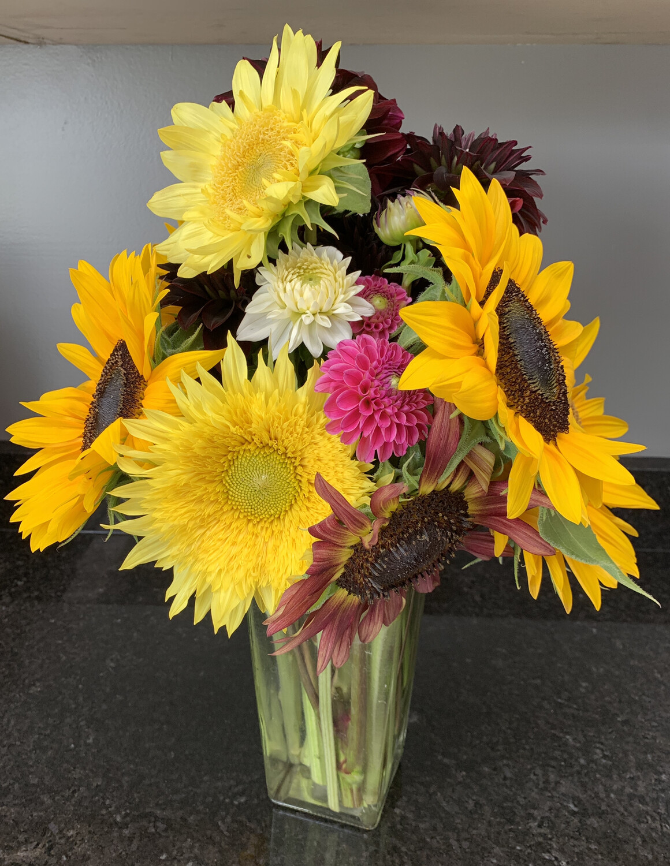 Large Cut-Flower Mixed Bouquet
