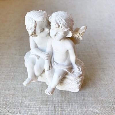 Ceramic Kissing Cherubs