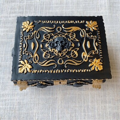 Trinket Box with mirror