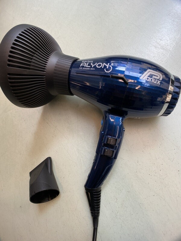 Parlux Alyon Night Blue 2250 Watt μαζί με την νέα φυσούνα Magic Sense!