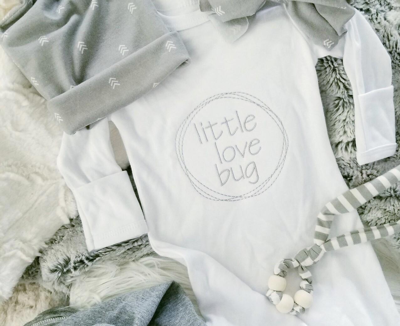 LB Gown & Hat Set Little Love Bug