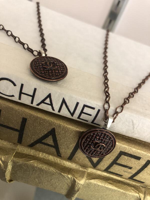 LL Designer Necklace Chanel Brown