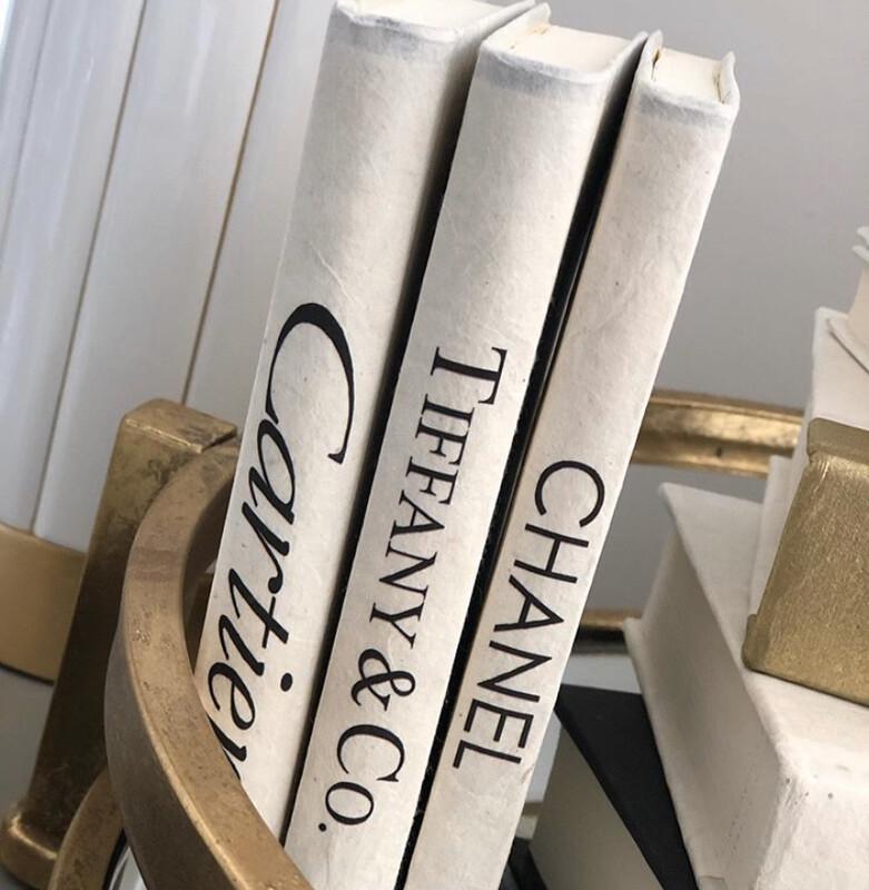Boutique Book Mini Chanel