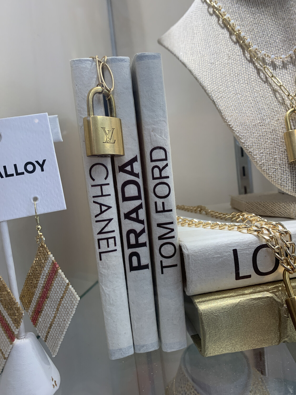 Boutique Book Mini Prada