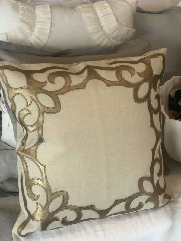 SS 6168 Pillow Gold
