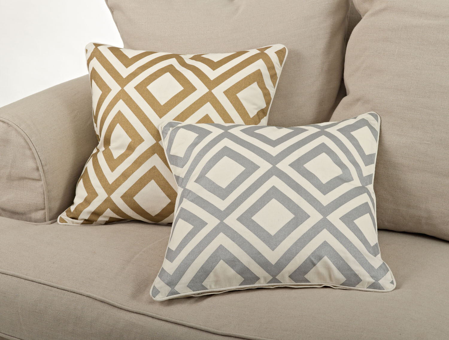 "SS 966P 20"" Gold Pillow Cover"