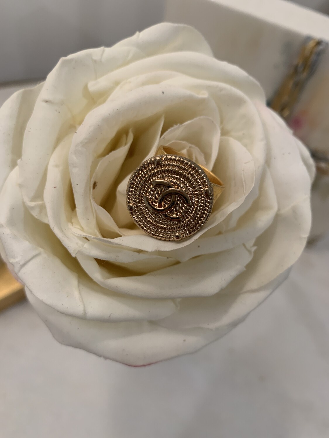 AO Chanel Solid Gold Ring