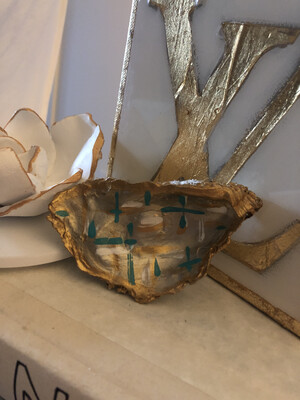 Painted Oyster Trinket 39