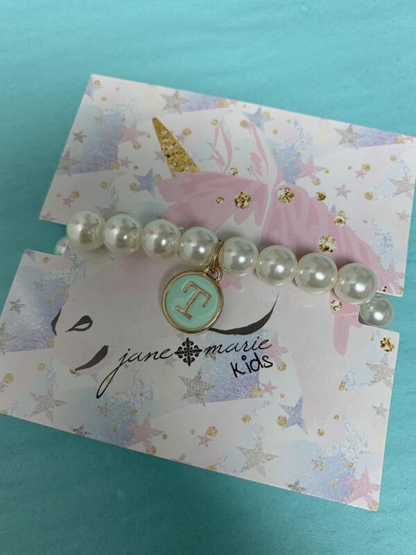 JM Initial Pearl Bracelet T