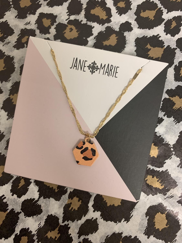 JM Necklace Leopard Hexagon