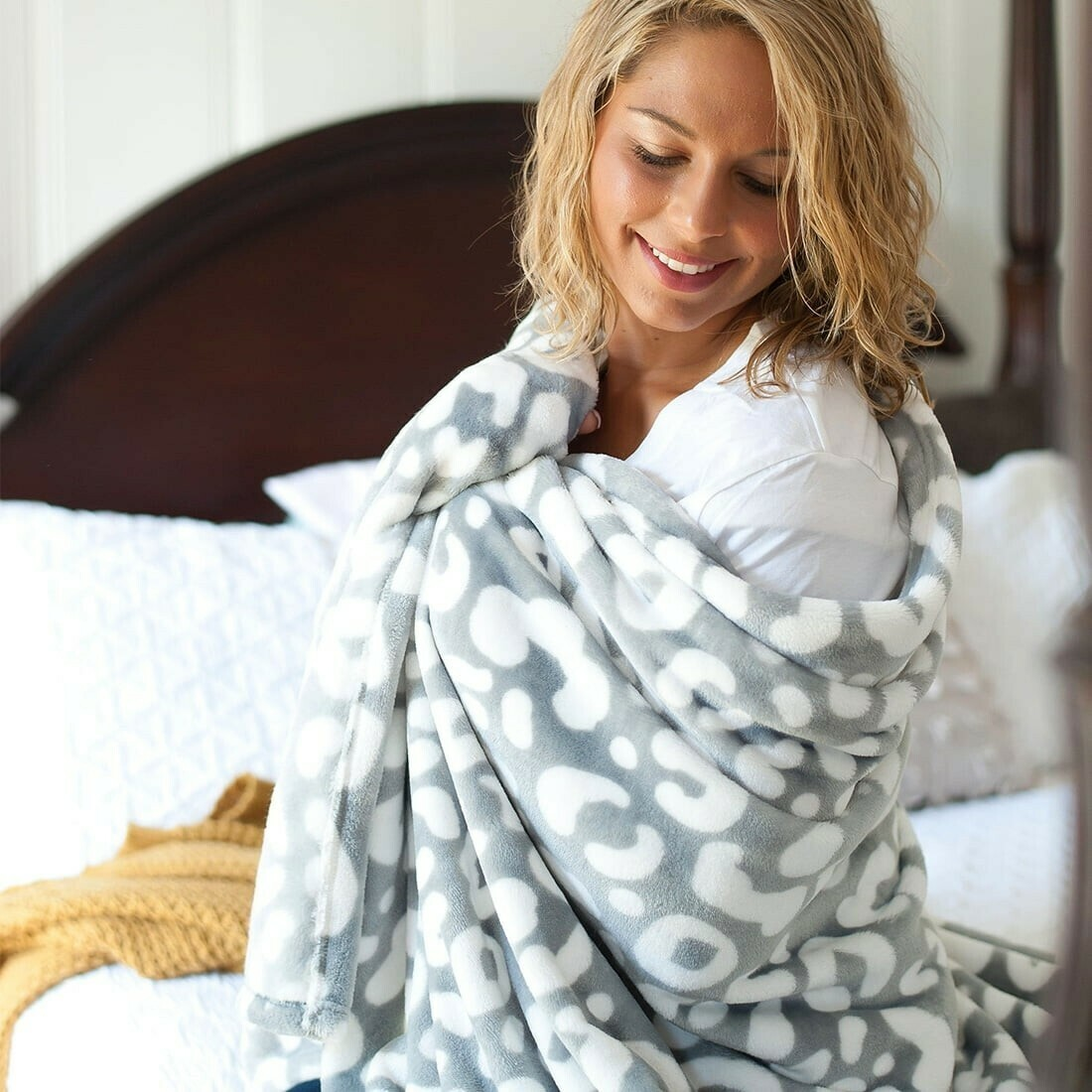 Viv & Lou Leopard Blanket Gray