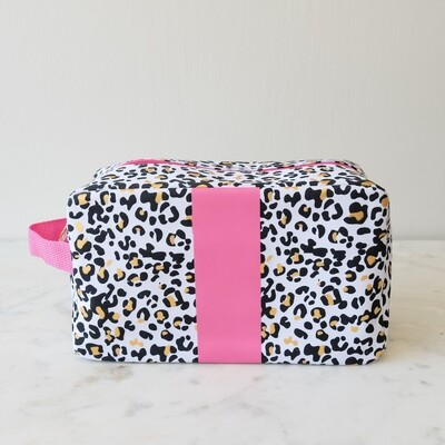 TRS Leopard Cosmetic Bag White/Black/Gold