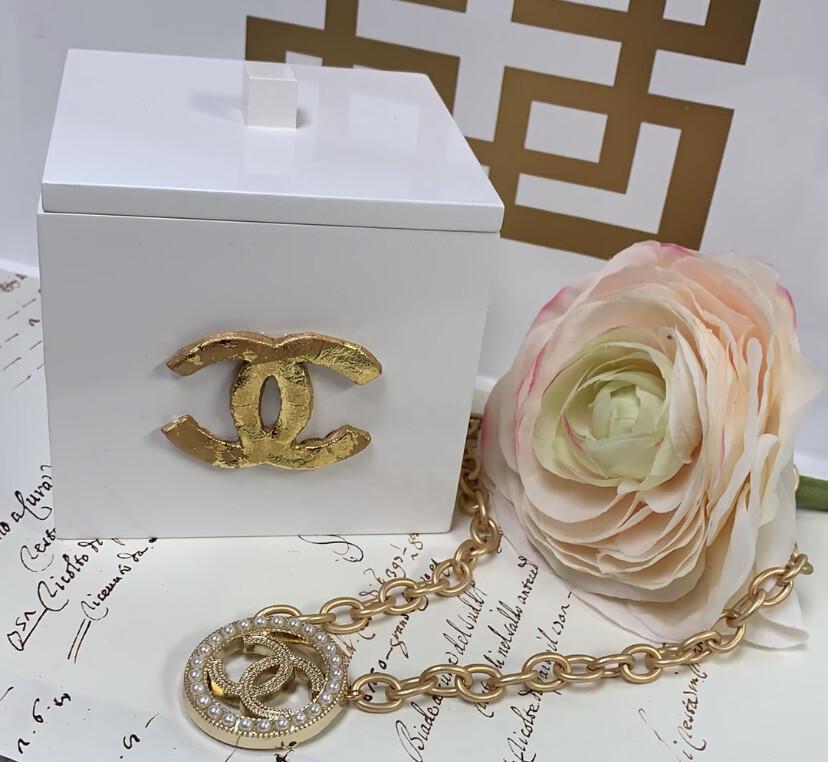 Designer Necklace CC Circle Pearl