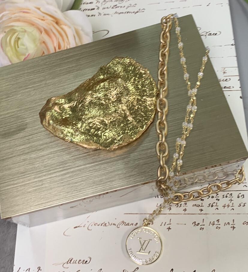 Acrylic Designer Gold Top Box Oyster