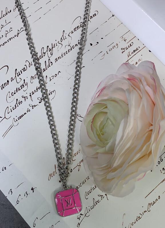 LL Designer Costume Necklace Pink LV