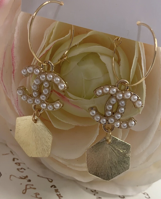 Designer Earrings Pearl Circle CC