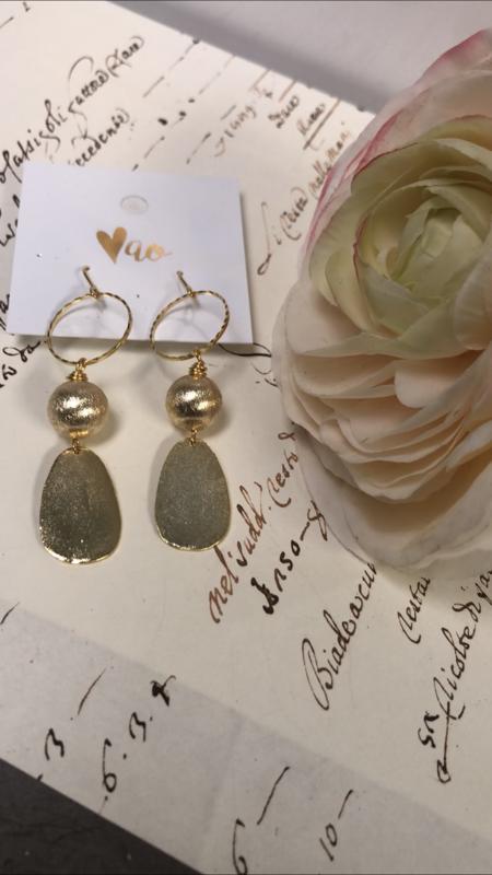 Love AO Earrings Gold Circle Drop