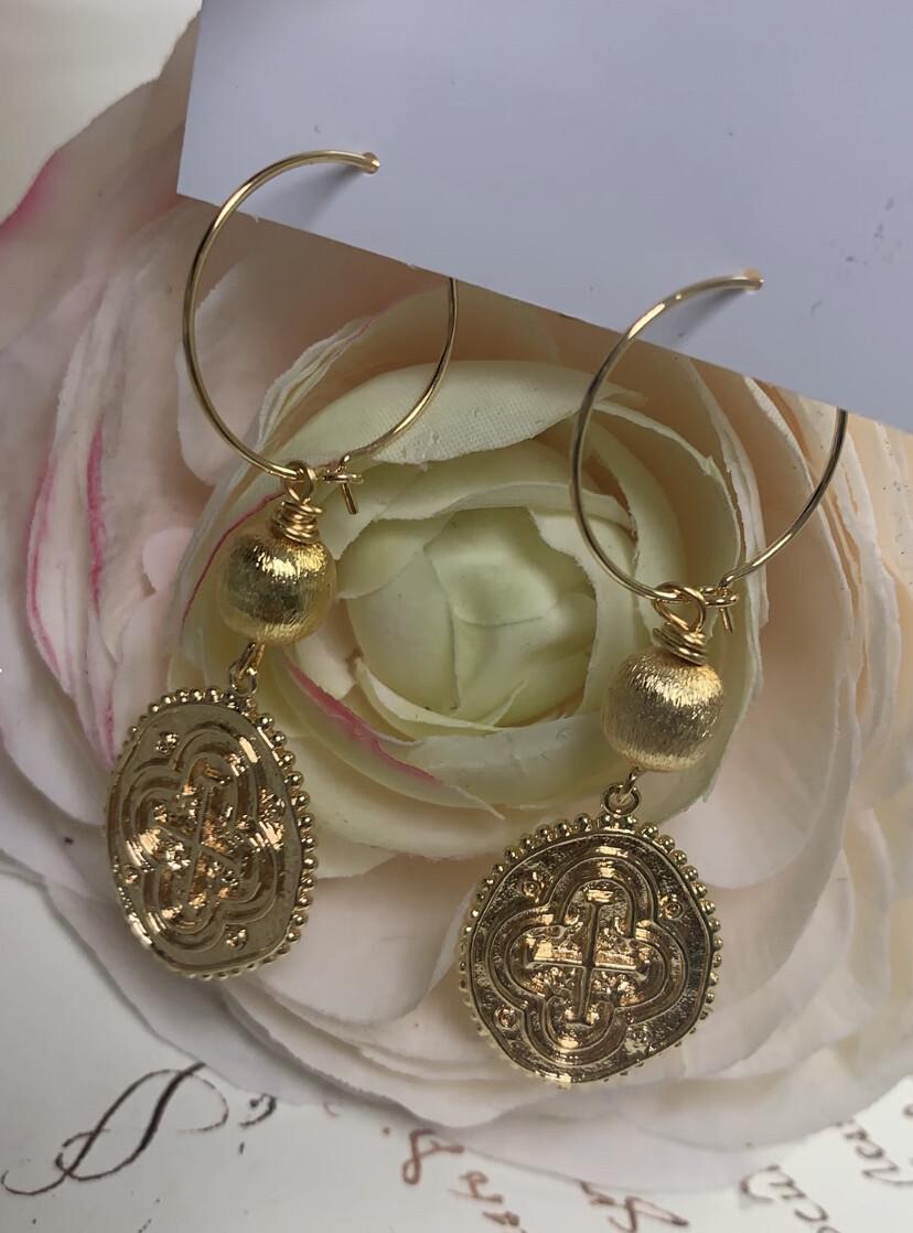 Love AO Earrings Gold Cross Coin