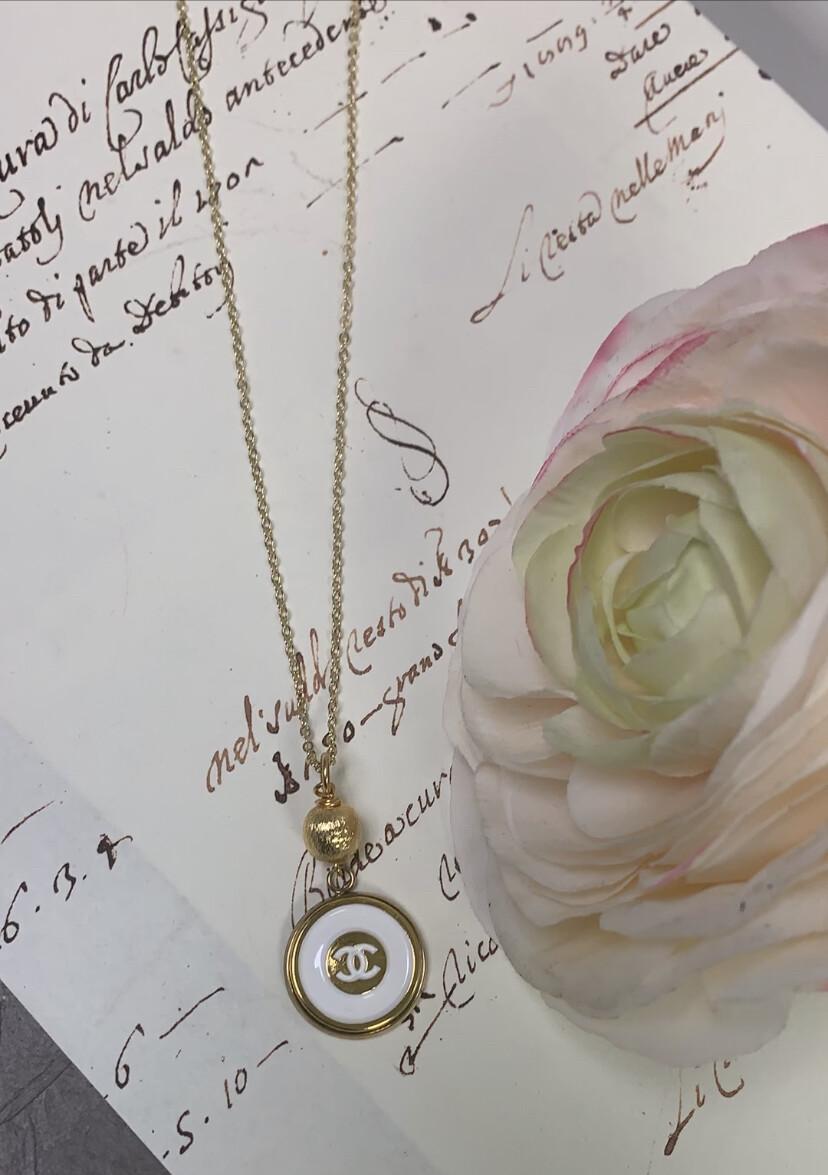 Designer Necklace Circle White LV
