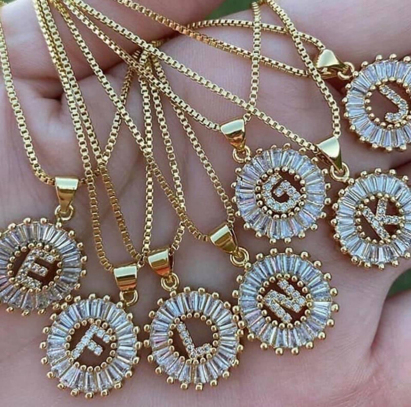 Gemelli Circle Initial Necklace R