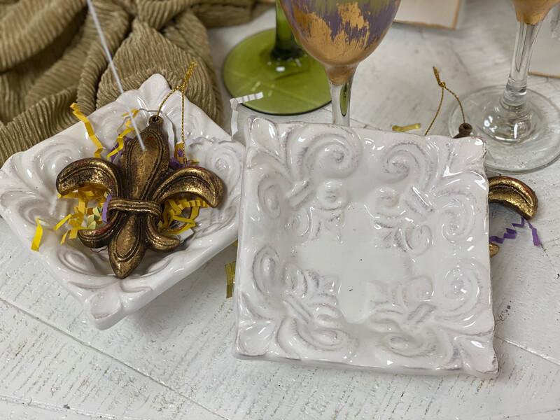 TRS Fleur de Lis Dish Small