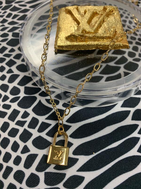Designer Necklace Petite LV Locket Link