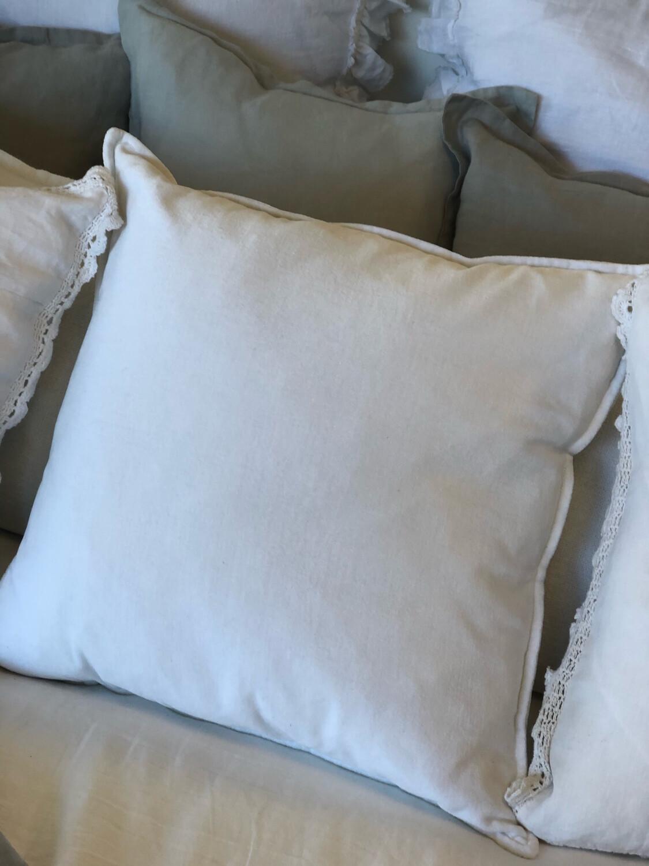 "SS 555 20"" White Pillow"