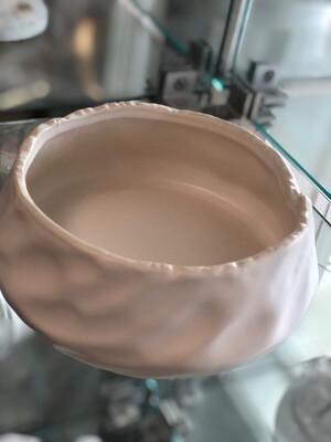 Ut Round Embossed Small Pot