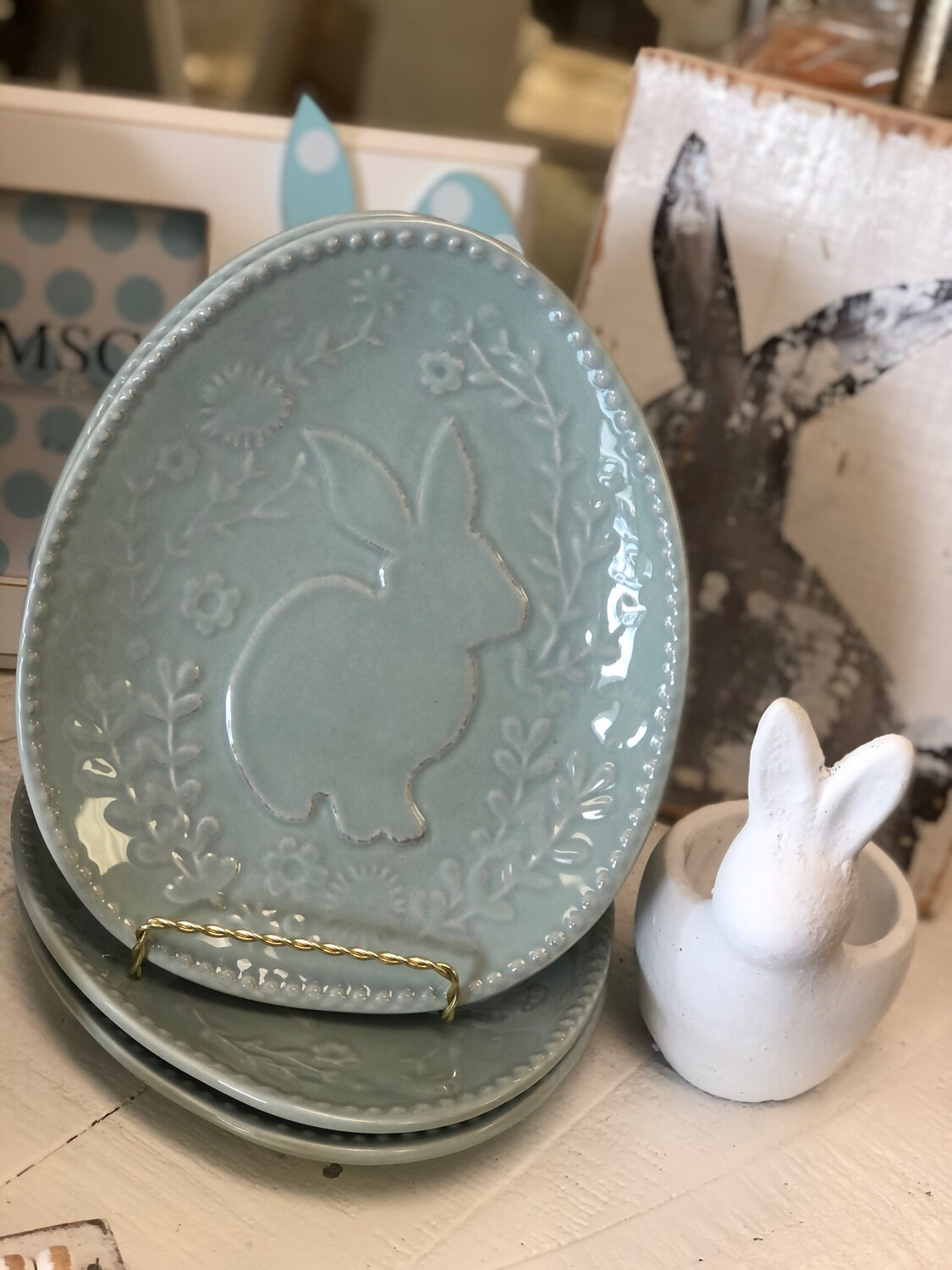 TRS Floral Bunny Plate