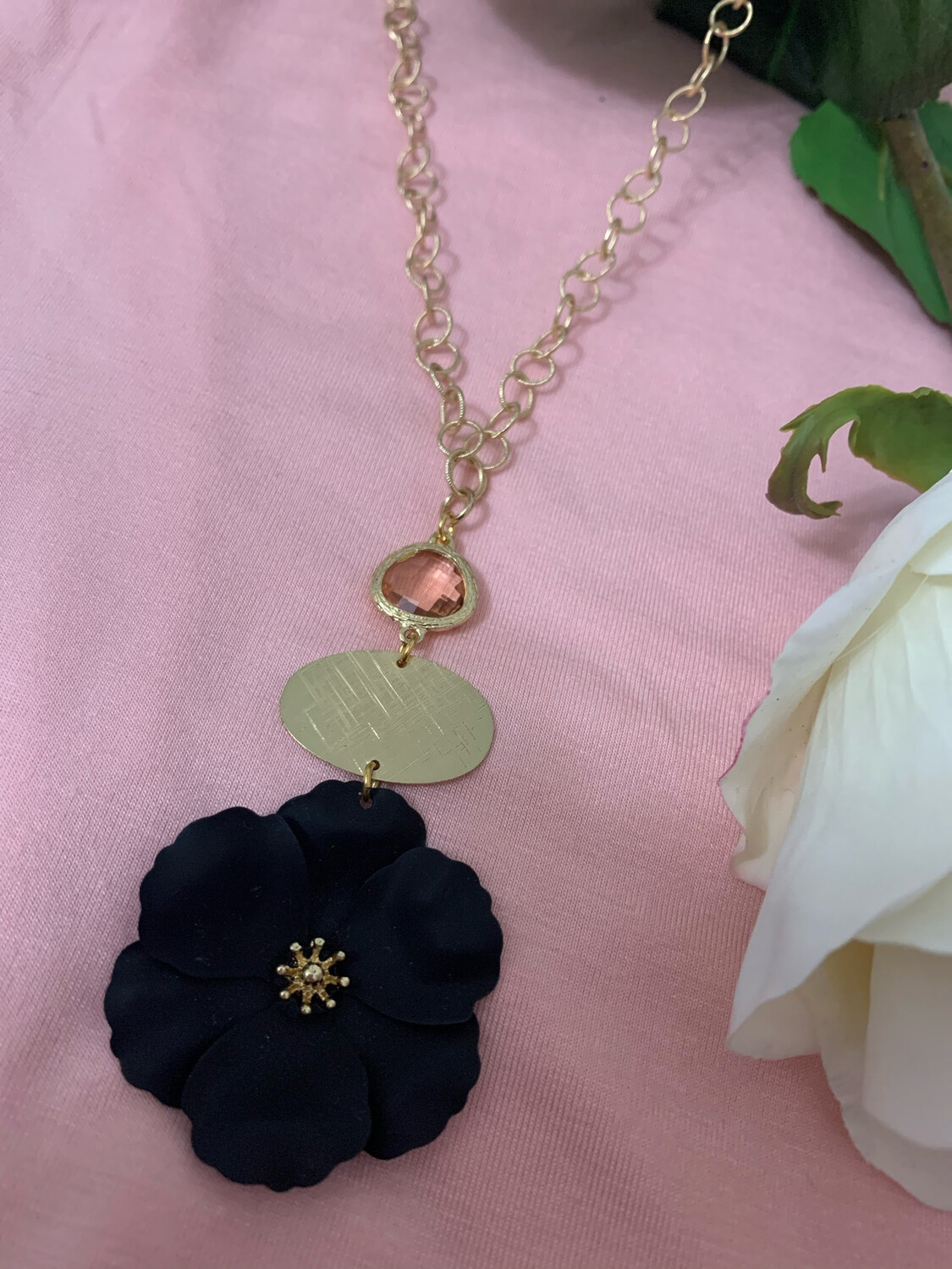 Love AO Necklace Black Flower