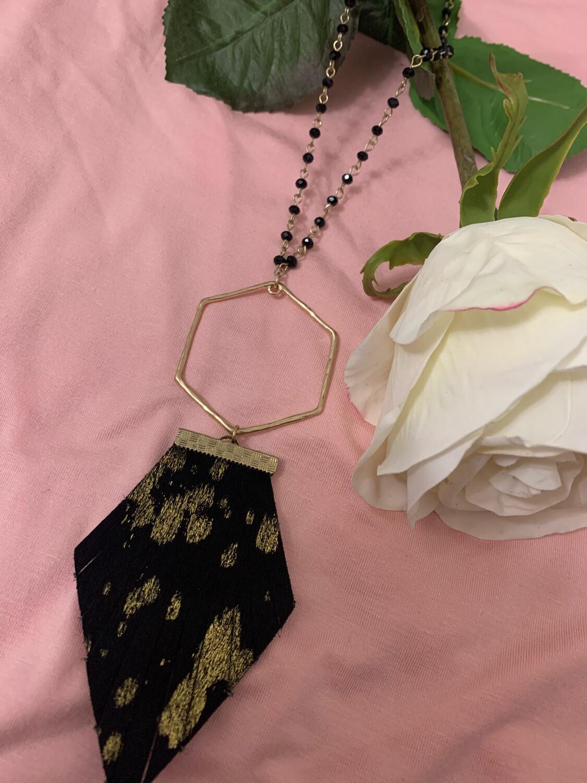 JM Agate Necklace Black/Gold Fringe