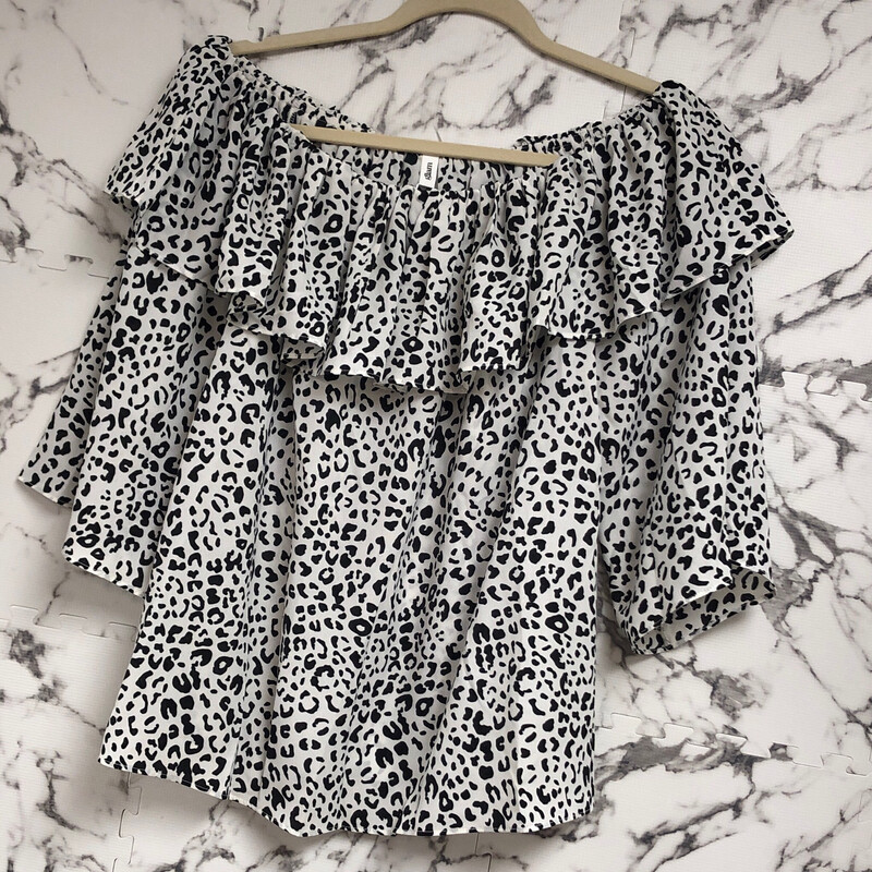 GA Off-Shoulder Leopard Top