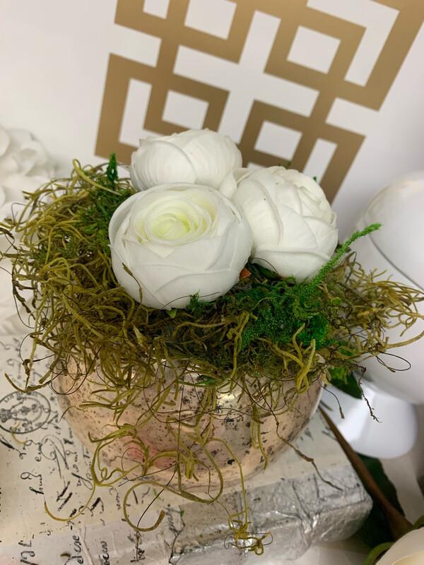 White Rose Round Arrangement