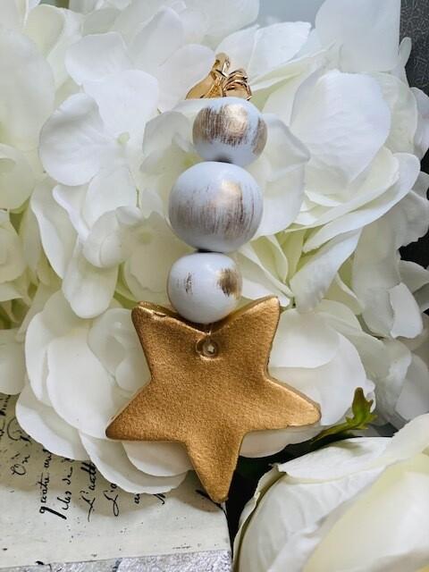 BSD Keychain White Star