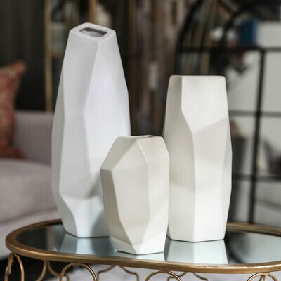 UT White Pottery 45918