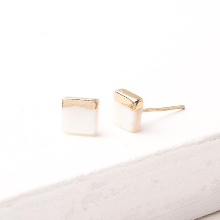 SP Kelly Mother Of Pearl Studs